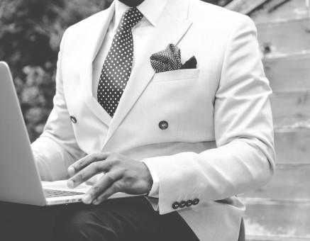 Les bonnes raisons d'opter pour un costume sur mesure