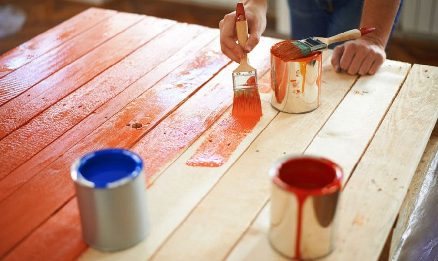 Comment conserver la brillance de la peinture sur les bois ?